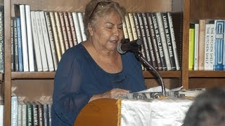 Ana Sofía Ruiz - Noche de poesía y guitarra en Books & Books