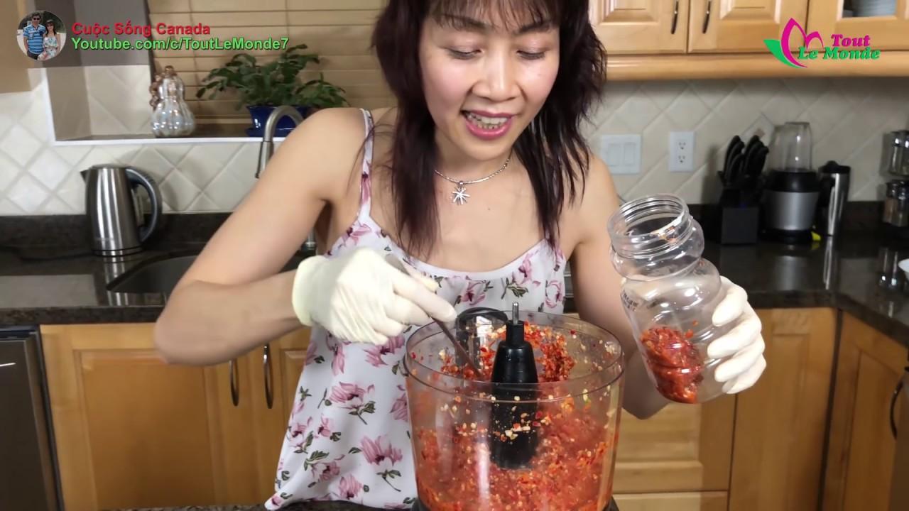 """Cách làm ớt tỏi xay ngon tuyệt từ cây ớt """" ăn trộm"""" 🇨🇦177》 Homemade hot chili garlic sauce"""