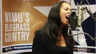 Carolina Chocolate Drops - No Man's Mama [Live at WAMU's Bluegrass Country] thumbnail