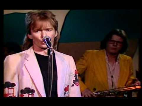 Lapinlahden Linnut - Miksei asioista puhuta (live 1987)