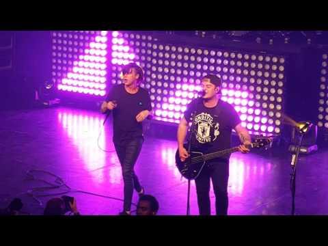 Sleeping with Sirens - We Like It Loud  (live at the O2 Academy Birmingham 05/03/2016)