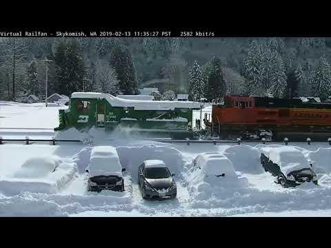 Rare Catch! BNSF Picks up BN Jordan Spreader in Heavy Snow