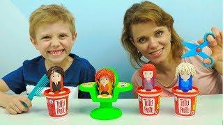 Даник и Мама играют в парикмахеров - Творческие игры для Детей с наборами Тутти Фрутти