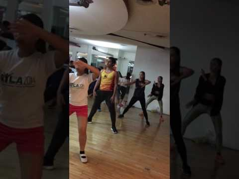 Zumba® with Marites Pieper - 7 Locas (Dembow) @ Golds Gym Gloriettta Philippines