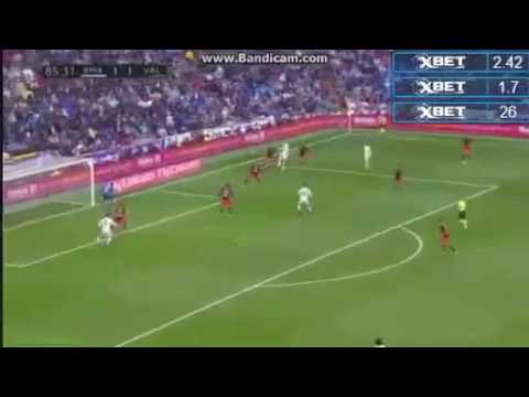 Download Marcelo Amazing Goal To Save Madrid - Real Madrid Vs Valencia 2-1 April 29 2017 HD