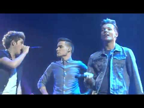 One Direction She's not afraid live