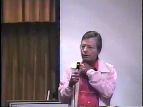 Download DeForest Kelley - 1987 -  Official Creation Star Trek Convention!