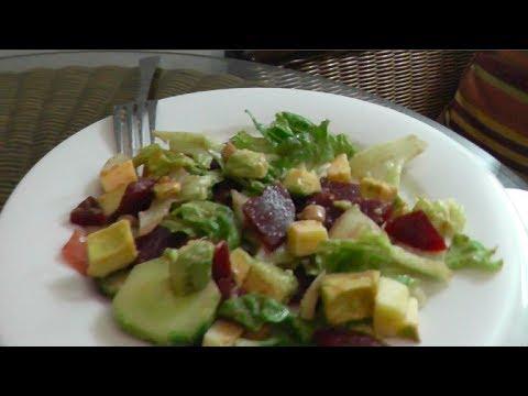 Eating Clean: Fresh Avocado Salad