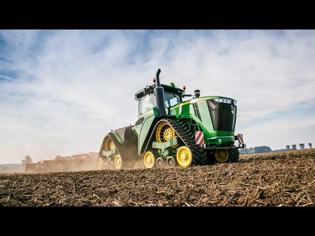 Tracteur John Deere Série 9RX en action (jour)