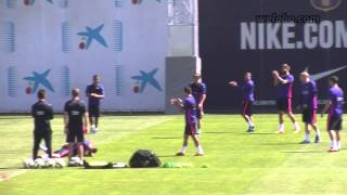 Xavi master class in the FC Barcelona training session / www.weloba.com