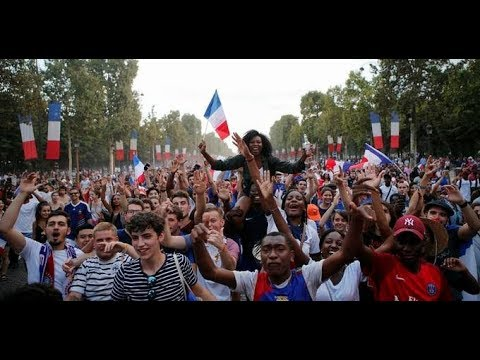 France's World Cup heroes celebrate in victory parade in Paris | ITV News