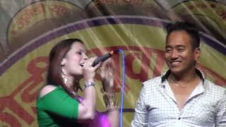गायक,  रामजी खाँडले दुर्गा सापकोटा लाई जिस्काएपछि स्टेजमा नै भो भनाभन