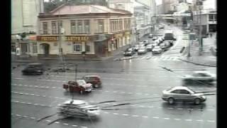 Repeat youtube video CCTV Road Accidents 闭路电视车祸场景