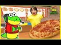 Let's Play Roblox Pizza Maker + New Gaming Channel VTubers with Ryan ToysReview and Combo Panda!