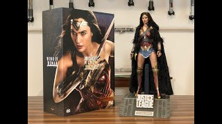Hot Toys Justice League Wonder Woman Deluxe Version
