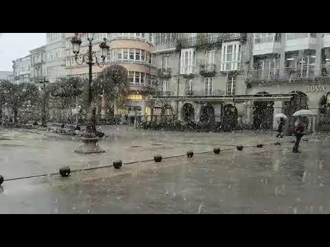 Llega la primera nevada del año a Lugo ciudad