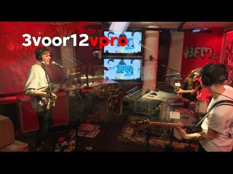 Bombay live bij 3voor12 Radio