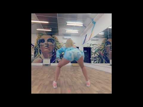 BEAUTİFUL GİRL DANCE MALYSHKA TWERK DANCE