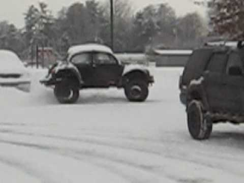 4x4 VW Beetle in the snow