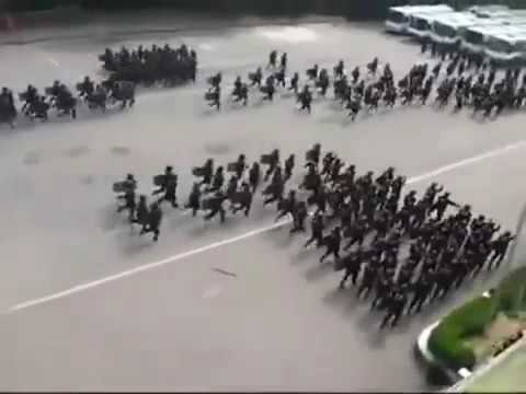 Korean Riot Police Use Ancient Roman Tactics Opposed To Police Brutality