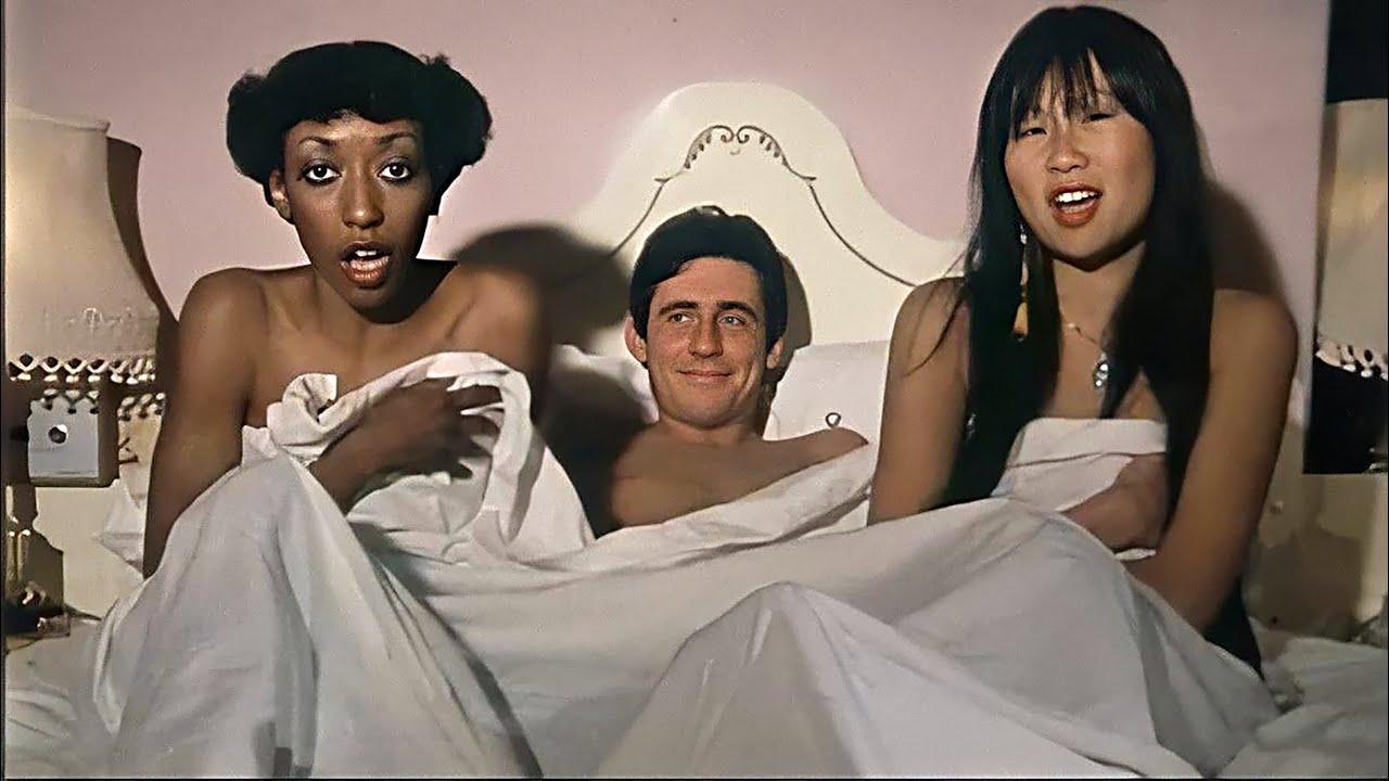 Download Ménage à Trois 'Jet Set Superstar' - 1980 (Gabriel Byrne, May Pang, Barry Devlin & Twink)