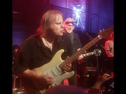 Song Mash Up: Walter Trout with The Randy Bachman Band - Toronto Jazz Festival 2017