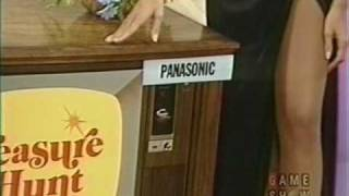 Repeat youtube video Classic Gameshow Beauty in Pantyhose
