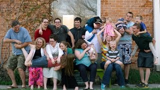 CRAZY BIG FAMILY!