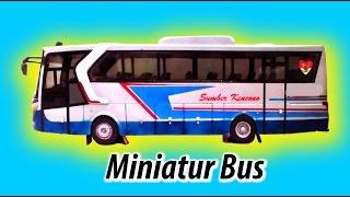 Parade Miniatur Bus 'Small Is Sexy