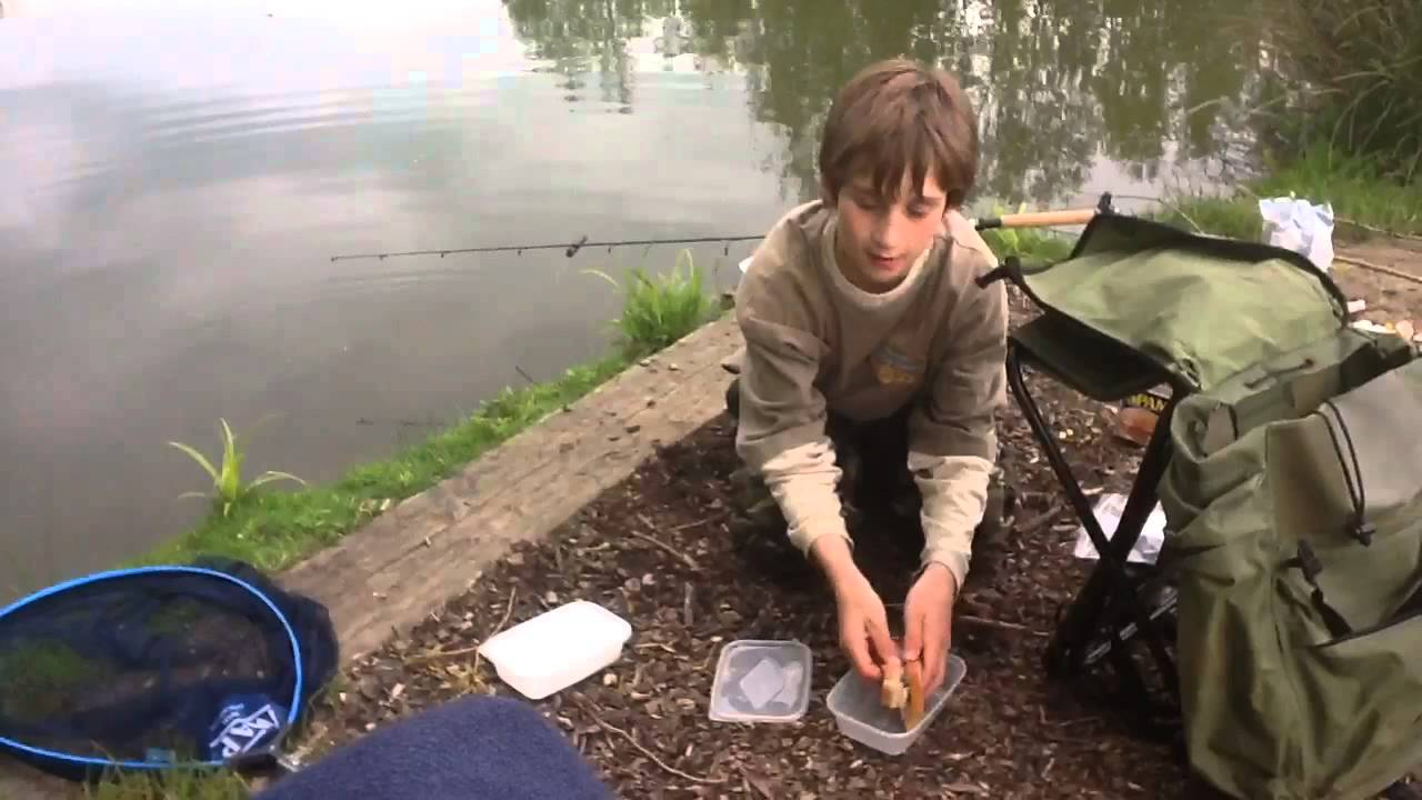Carp fishing with bread awesome angler doovi for Fishing with bread