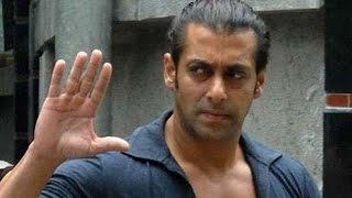 Salman Khan Singing I Don