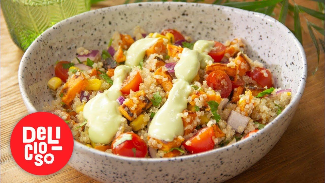Ensalada de quinoa y camote con aderezo de aguacate | Delicioso