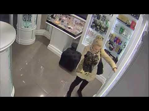 Магазин Даниэлла в Ялте просит вернуть украденное