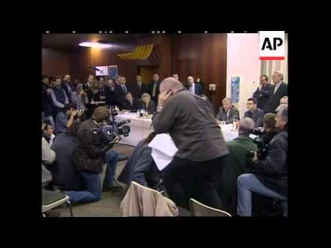 GERMANY: DEAL BROKERED BETWEEN A-G & CREDITORS