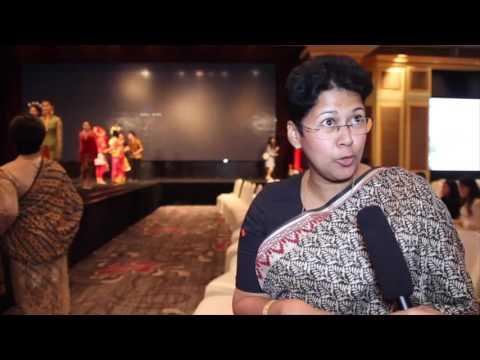 INDONESIA FASHION SHOW BATIK 2016
