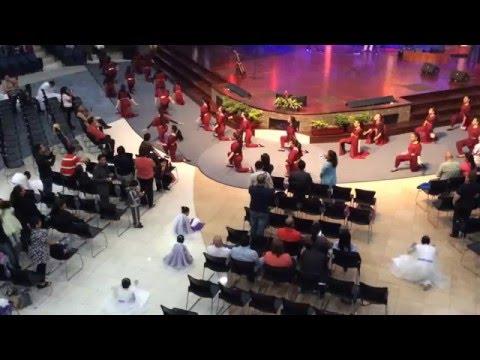 Danza. El Shaddai Guatemala  Al que esta sentado en el trono