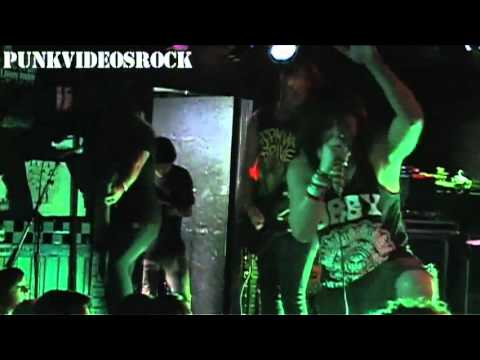 Casino Madrid - The Devil On My Shoulder Knows How To Party [Live] mp3