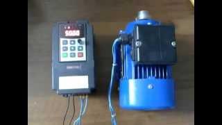 Частотный преобразователь (EM8 G1E) настройка и подключение(Короткий пример настройки частотного преобразователя., 2014-07-25T13:03:25.000Z)