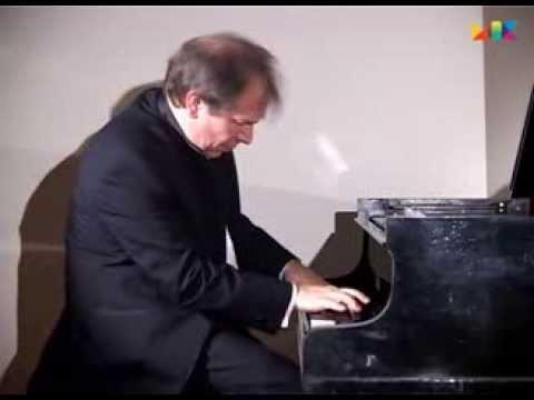 Игорь Урьяш (фортепиано) - Ф. Шопен - Этюд № 19 до-диез минор, op. 25 № 7 (запись 2003 г.) - послушать в формате mp3 на большой скорости