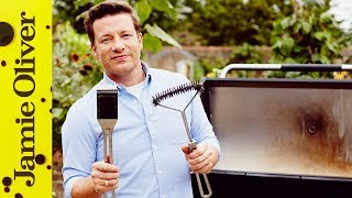 QUICK! Get the BBQ out of the Shed!    How to Clean your Grill