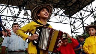 """Los niños del Vallenato, escuela Maestro """"Turco"""" Gil, Valledupar, Colombia"""