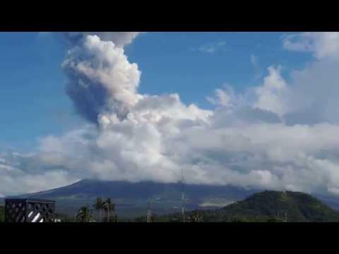 Mayon Volcano Eruption 2013