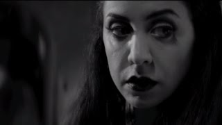 a girl walks home alone at night officile nl trailer