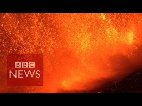 Etna blasts lava and ash high into sky - BBC News