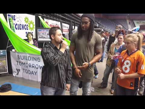 Magic Trick: Magician blows two NFL players minds.