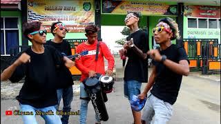 Cerita Anak Jalanan - Pengamen ALAY Goyang Melintir, Bikin Suasana Bahagia