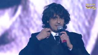 Sonu Nigam performs on Rajesh Khanna Classics at the 5th Royal Stag Mirchi Music Awards!