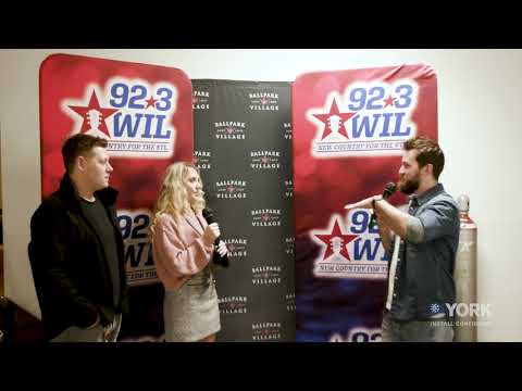 92.3-WIL-interview-with-Chris-Bandi-at-Hot-Country-Nights