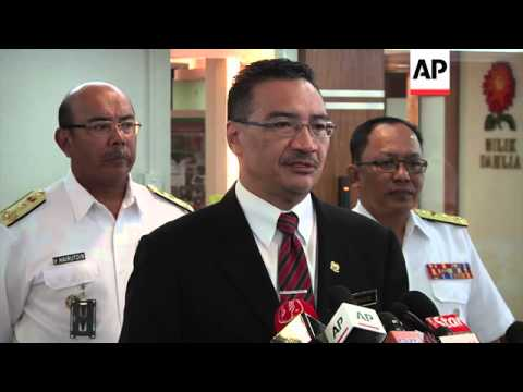 Visiting Australian Vice Admiral Ray Griggs meets with Malaysian Defence Minister Hishammuddin Husse