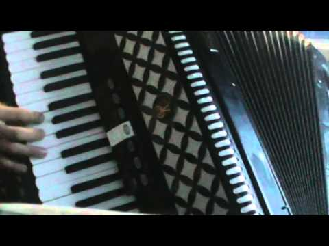 mix dance con la fisarmonica